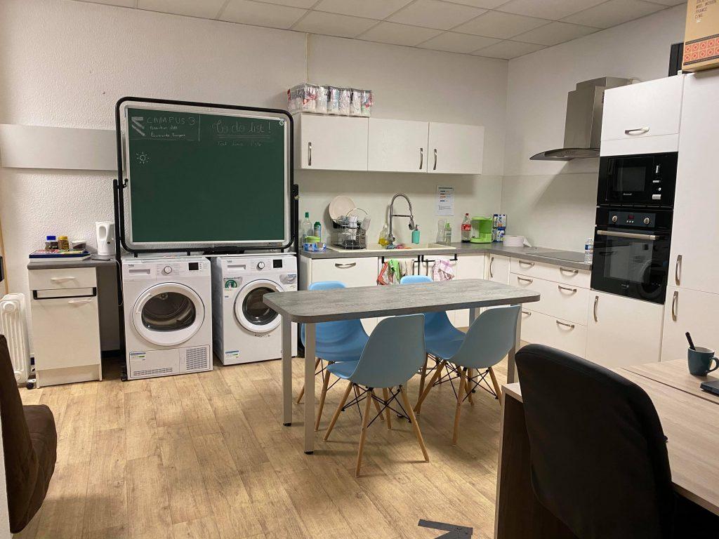 Espace cuisine et laverie